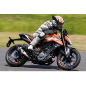 【KTM スモールDUKE 試乗】選べる125/250/390、走りの違いとオススメは!?