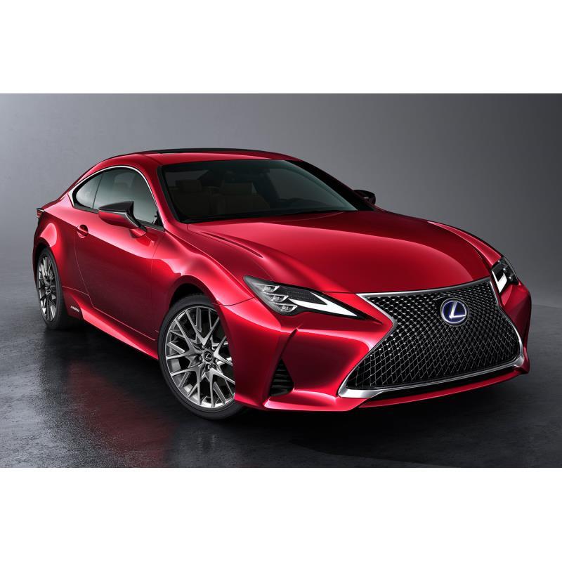 トヨタ自動車は2018年8月30日、2ドアクーペ「レクサスRC」にマイナーチェンジを実施し、世界初公開した。同...
