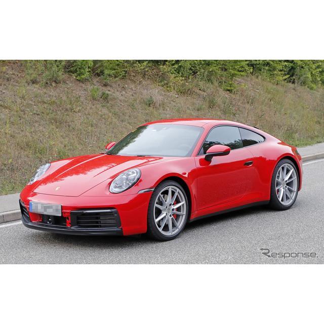 10月のパリモーターショーでの公開が予想されている、ポルシェ『911』新型(992型)プロトタイプが、公開を...