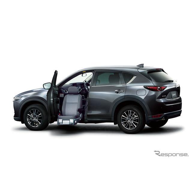 マツダは、『CX-5』の改良新型モデルリリースに伴い、同車をベースとした福祉車両「助手席リフトアップシー...