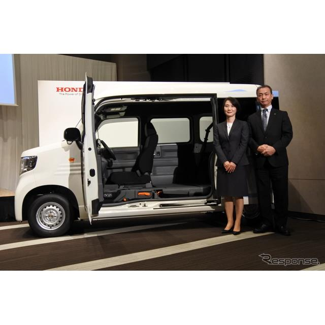 ホンダの鈴木麻子執行役員は7月13日に発売した新型軽商用バン『N-VAN』の累計受注台数が2万4000台を超えた...