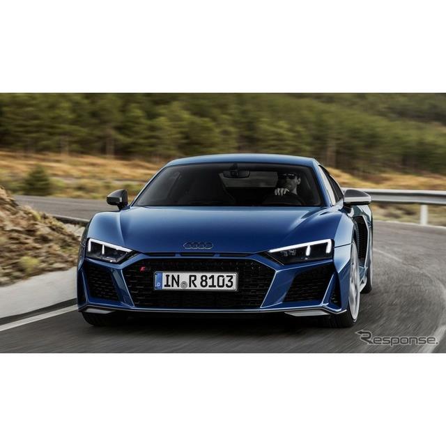 アウディは10月24日、改良新型『R8』(Audi R8)を発表した。ボディはクーペとスパイダーの2種類で、ドイツ...