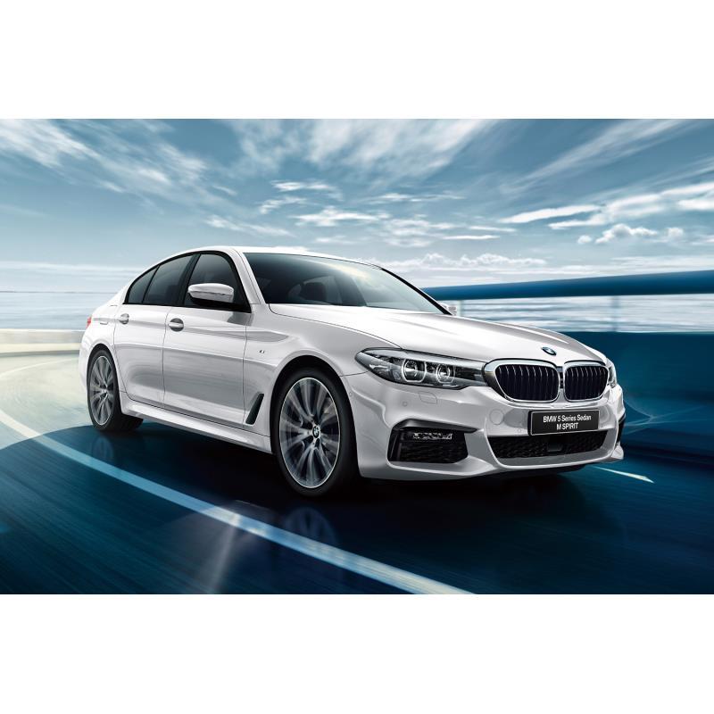 BMWジャパンは2018年10月29日、「5シリーズ セダン/ツーリング」に特別仕様車「Mスピリット」を設定し、販...