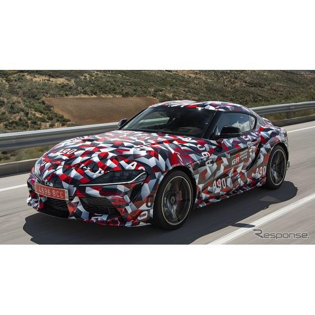 トヨタ自動車の米国部門は10月30日、新型『スープラ』(Toyota Supra)の量産第一号車を、チャリティオーク...