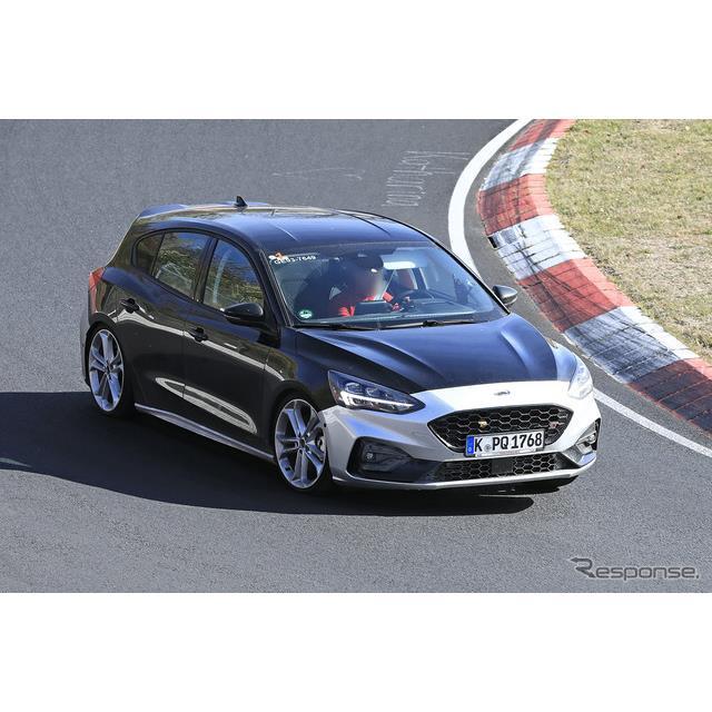 欧州フォードの主力モデル『フォーカス』。新型に設定される高性能モデル『フォーカスST』が、ニュルブルク...