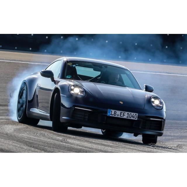 ポルシェは11月21日、新型『911』(Porsche 911)を11月下旬、米国で開幕するロサンゼルスモーターショー20...