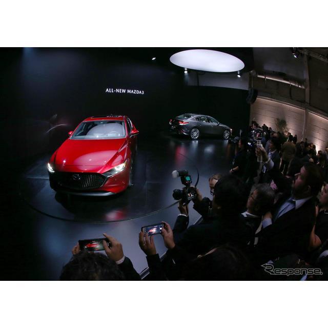 ロサンゼルスモーターショー2018の事前イベントで新型『マツダ3』(日本市場で『アクセラ』に相当)を発表...