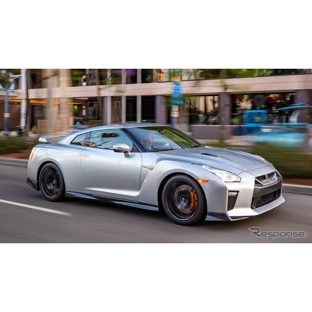 日産自動車の米国部門は12月5日、『GT-R』(Nissan GT-R)の2019年モデルを発表した。  2019年モデルでは...