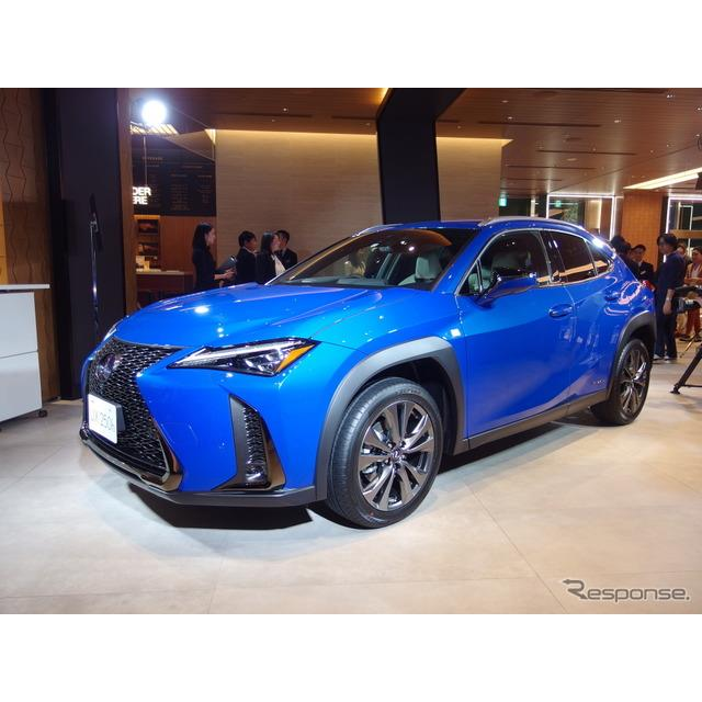 アイシン・エイ・ダブリュは12月6日、トヨタ自動車と共同開発した「先読みエコドライブ機能」と連携する最...