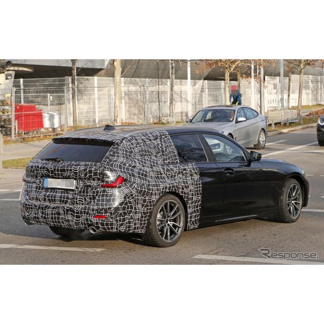 BMWの中核を担う『3シリーズ』の派生ワゴン『3シリーズツーリング』次期型プロトタイプに大接近!鮮明な撮...