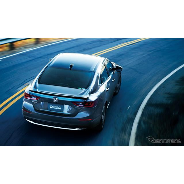 ホンダは、新型ハイブリッド車『インサイト』を12月14日より発売する。  3代目となる新型は、環境車のあ...