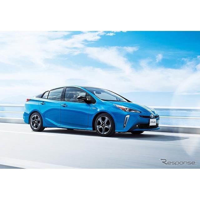 トヨタ自動車はハイブリッドカー『プリウス』をマイナーチェンジ、スタイルを一新するとともに、コネクテッ...
