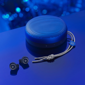「Beoplay E8」「BeoPlay A1」LATE NIGHT BLUE