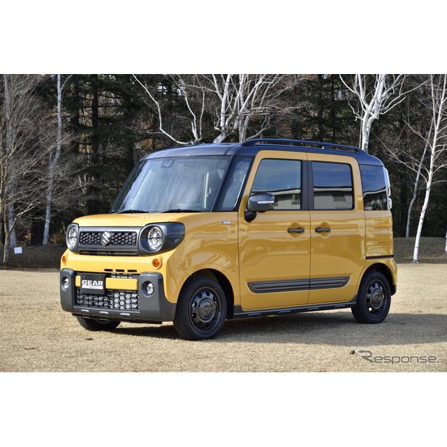 スズキは、ハイトワゴンタイプの軽乗用車『スペーシア』に、タフでアクティブなSUVデザインを採用した新型...