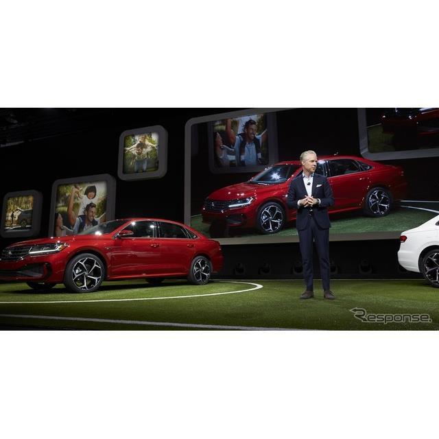 フォルクスワーゲンは1月14日、米国で開幕したデトロイトモーターショー2019において、『パサート』(Volks...