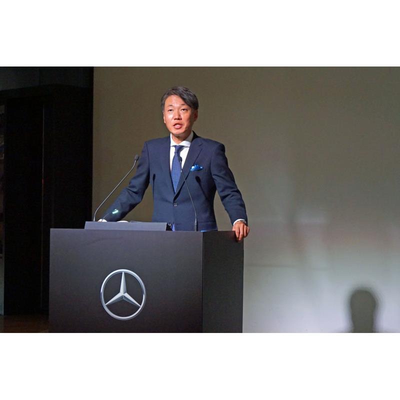 プレゼンテーションを行ったメルセデス・ベンツ日本の上野金太郎社長。