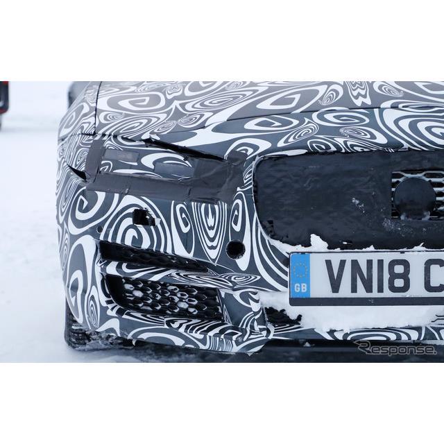 ジャガーのコンパクト・4ドアサルーン、『XE』改良新型を豪雪のノルウェーでカメラが捉えた。また今回は、...