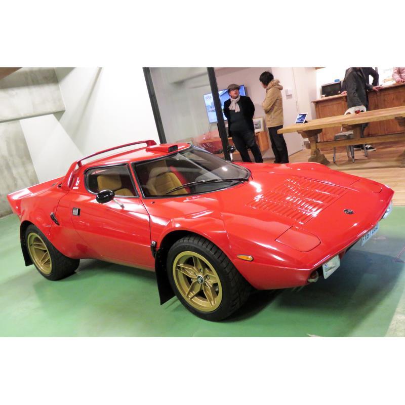「ランチア・ストラトス」のレプリカモデル「the STR」。