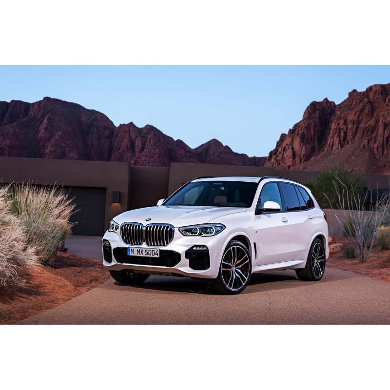 BMWジャパンは2019年2月27日、4代目となるミドルクラスSUV、新型「BMW X5」を発表し、同日に販売を開始した...