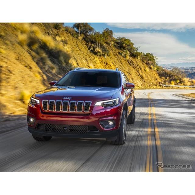 FCAジャパンは、マイナーチェンジしたジープのミッドサイズSUV『チェロキー』(Jeep Cherokee)に、ベースグ...