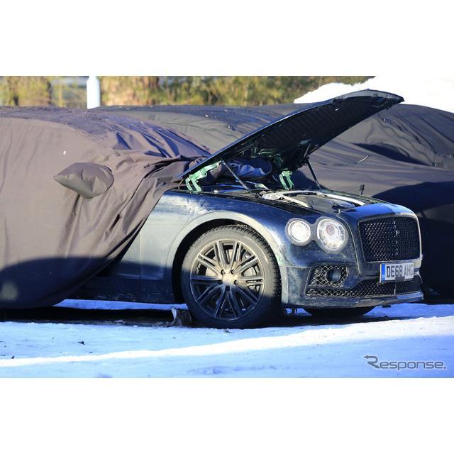 ベントレーの高級4ドアセダン『フライングスパー』新型を、これまででもっともカモフラージュの軽い状態で...