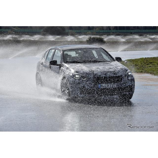 BMWは3月27日、新型『1シリーズ』(BMW 1 Series)の開発プロトタイプ車の画像を公開した。正式発表は、201...