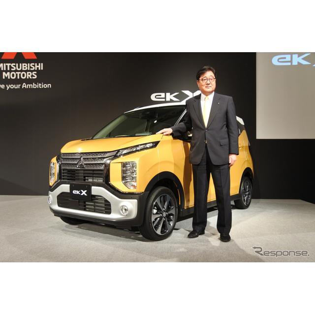 三菱自動車は3月28日、軽自動車の主力車種である『eKワゴン』を約6年ぶりに全面改良し発売した。全面改良を...