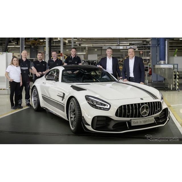 メルセデスベンツは3月28日、改良新型メルセデスAMG『GT』の生産をドイツ・ジンデルフィンゲン工場で開始し...