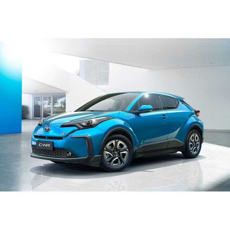 トヨタ自動車は2019年4月16日、中国で開催中の上海国際モーターショーにおいて、「C-HR」および「IZOA(イ...