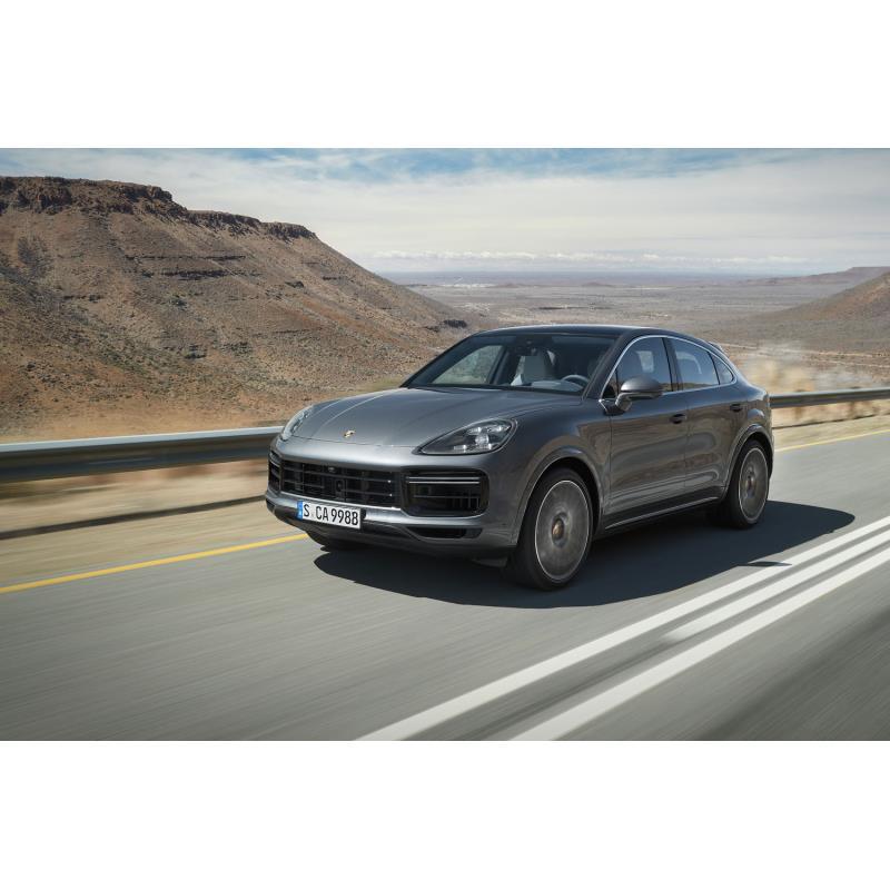 ポルシェ ジャパンは2019年4月22日、同年3月21日に本国ドイツでデビューした新型SUV「カイエンクーペ」の日...