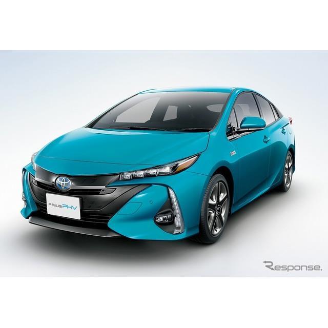 トヨタ自動車は、『プリウスPHV』を一部改良し、5月9日より販売を開始した。  今回の一部改良では、乗車...