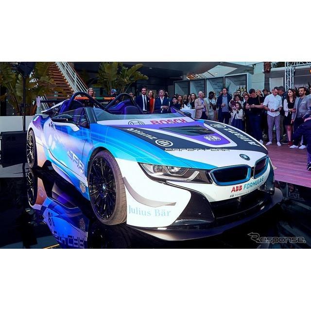 BMWグループは5月10日、「フォーミュラE」の新たなセーフティカーとして、『i8ロードスター』(BMW i8 Road...