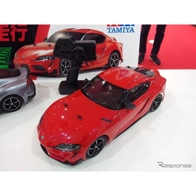 トヨタ自動車は17日、新型『スープラ』を発表した。東京臨海新都心MEGA WEBで開催された発表会では、タミヤ...