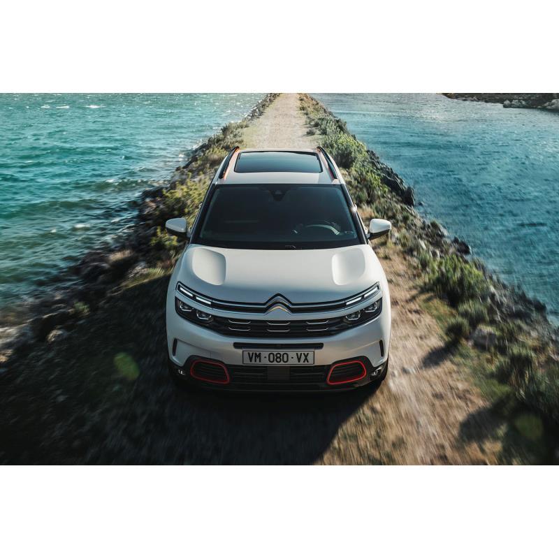 プジョー・シトロエン・ジャポンは2019年5月28日、新型車「C5エアクロスSUV」の導入を発表し、販売を開始し...