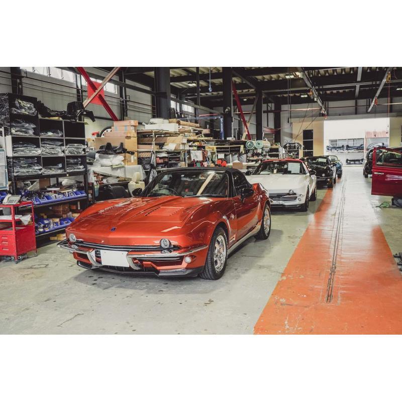 光岡自動車は2019年7月23日、富山県富山市の同社工場において、新型車「ロックスター」のラインオフセレモ...