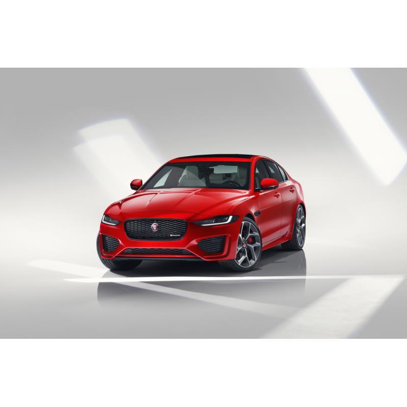 ジャガー・ランドローバー・ジャパンは2019年8月2日、Dセグメントセダン「ジャガーXE」の2020年モデルを発...