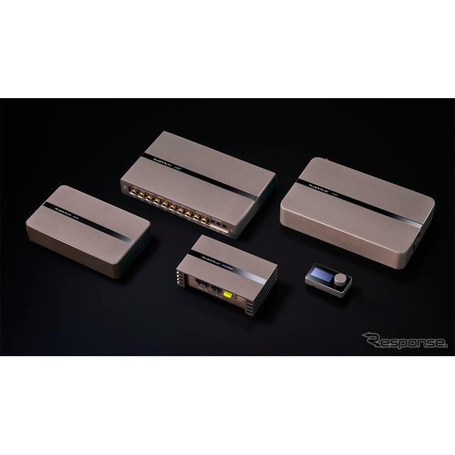 左より、PLUG&PLAY 640、PLUG&PLAY DSP、PLUG&PLAY POWER、PLUG&PLAY COMMAND、PLUG&PLAY 1080