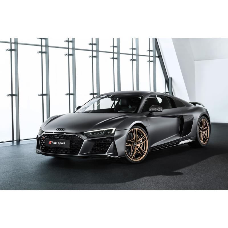 アウディ ジャパンは2019年8月24日、ミドシップスポーツカー「R8」に特別仕様車「デセニウム」を設定し、注...