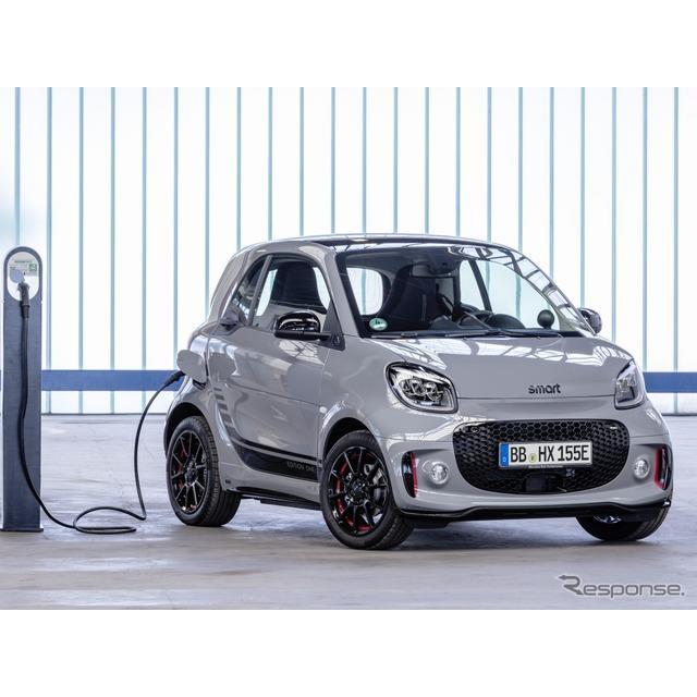 メルセデスベンツ傘下のスマートは9月5日、『EQフォーツー』(Smart EQ fortwo)の改良新型を発表した。実...