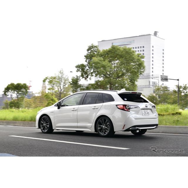 トヨタは、フルモデルチェンジした『カローラ』に、ワゴンタイプの「カローラツーリング」を設定して、9月1...