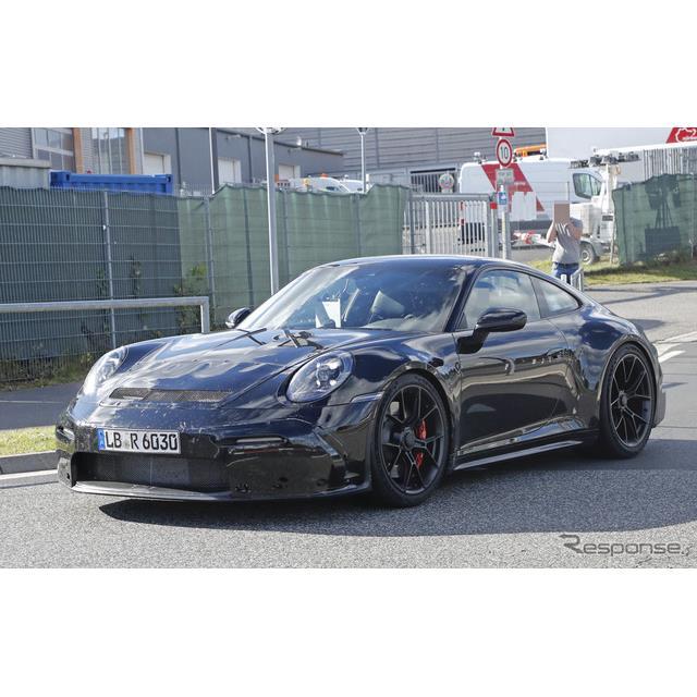 ポルシェ『911 GT3』新型に設定される「ツーリングパッケージ」の最新プロトタイプをカメラが捉えた。「ツ...