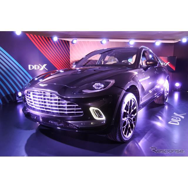アストンマーティンは11月21日、ブランド初のSUV『DBX』を都内で日本初公開した。アストンマーティンのリチ...