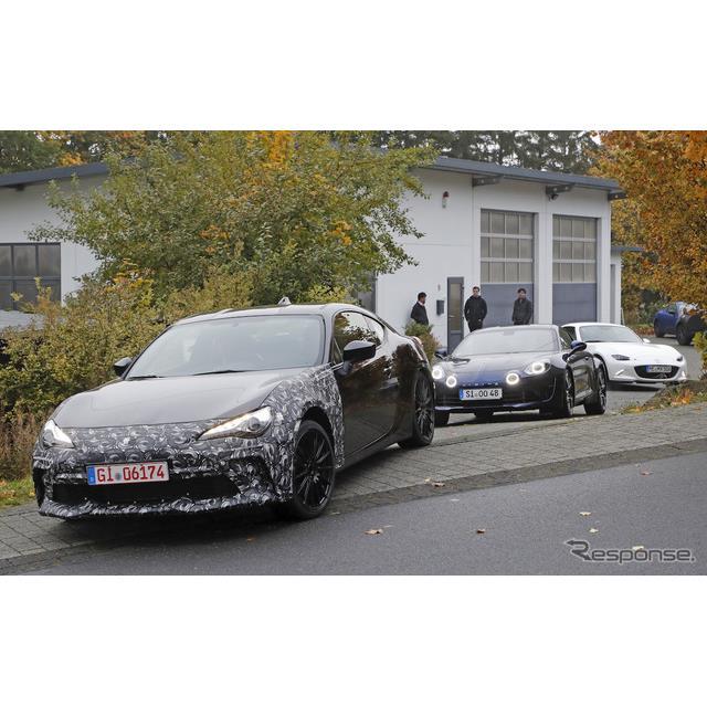 スバル『BRZ』の謎のプロトタイプ車両が、ニュルブルクリンク・ノルドシュライフェ周辺に再び出現した。 ...