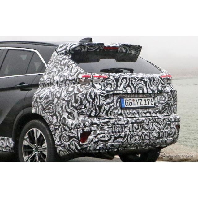 三菱自動車のクロスオーバー・クーペSUV『エクリプスクロス』の改良新型プロトタイプを、スクープサイト「S...