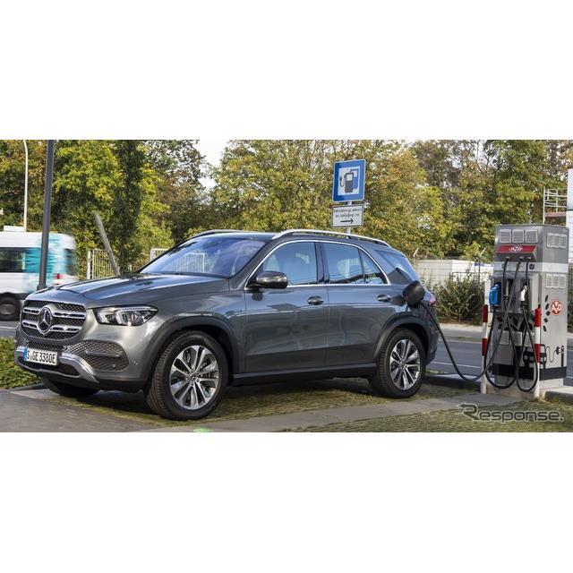 メルセデスベンツは、新型『GLE』(Mercedes-Benz GLE)のプラグインハイブリッド車(PHV)、「GLE 350 de ...