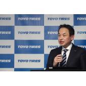 タイヤセンシング技術の開発背景などを紹介したトーヨータイヤ執行役員技術統括部門管掌の守屋 学氏。