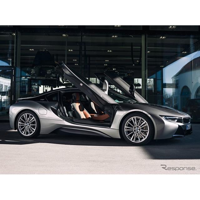 BMWグループ(BMW Group)は3月11日、プラグインハイブリッド(PHV)スポーツカーのBMW『i8』の生産を、4月...