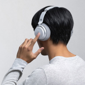 「Surface Headphones」