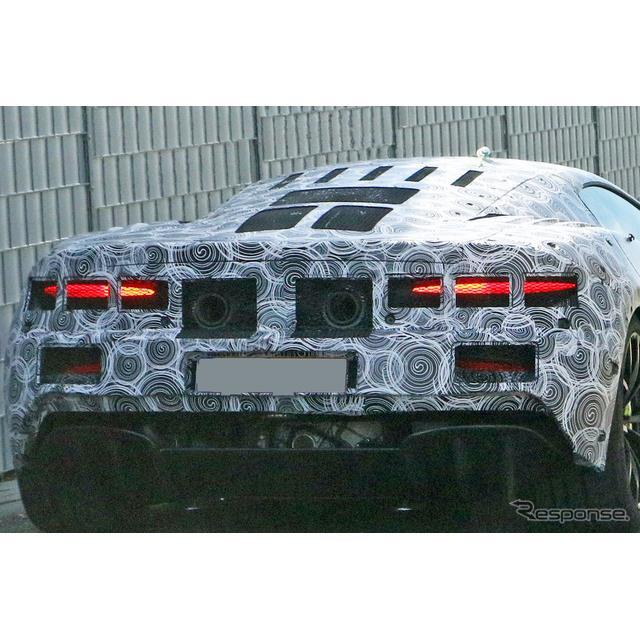 マクラーレンが開発を進める新型スーパーカーの市販型プロトタイプを、スクープサイト「Spyder7」のカメラ...
