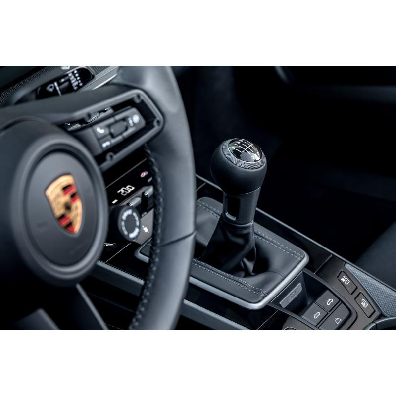 独ポルシェは2020年4月28日(現地時間)、「911カレラS/4S」に7段MTを設定すると発表した。同モデルに搭載...